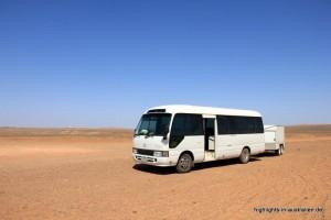 kleiner Bus im Outback