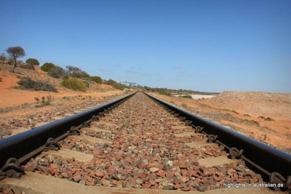 Gleise im Outback